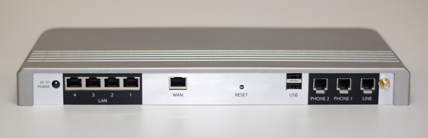 jazinga back resized Easy Asterisk in a Box: Jazinga VoIP PBX Appliance Reviewed